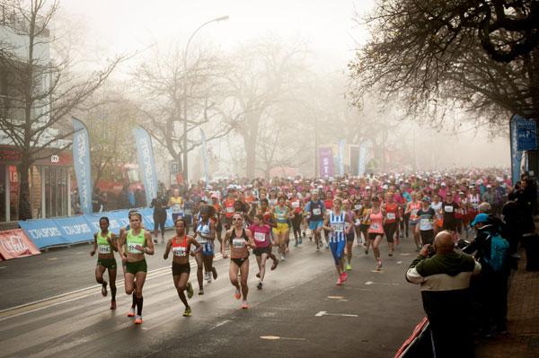 Irvette Van Zyl wins Stellenbosch Ladies Race
