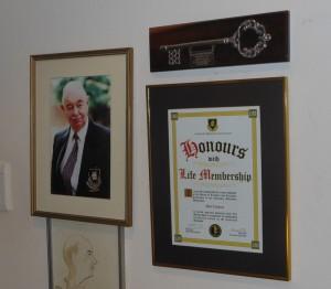 Bob Lambert, Life Member of the Comrades Marathon.with Honours